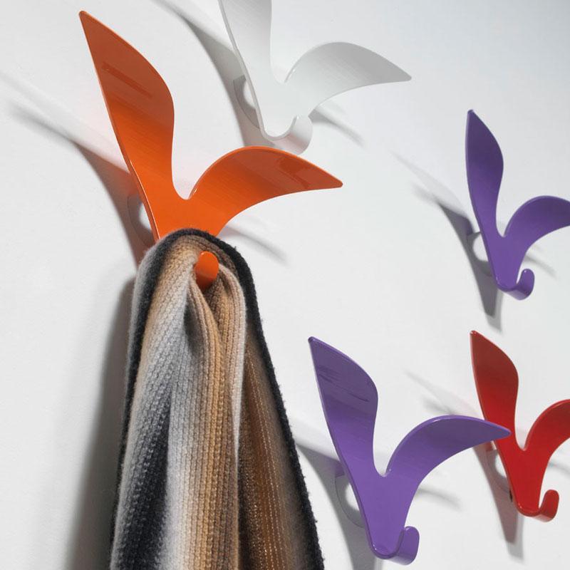 Jonathan di Pezzani | Appendiabiti viola lilla di design in alluminio verniciato
