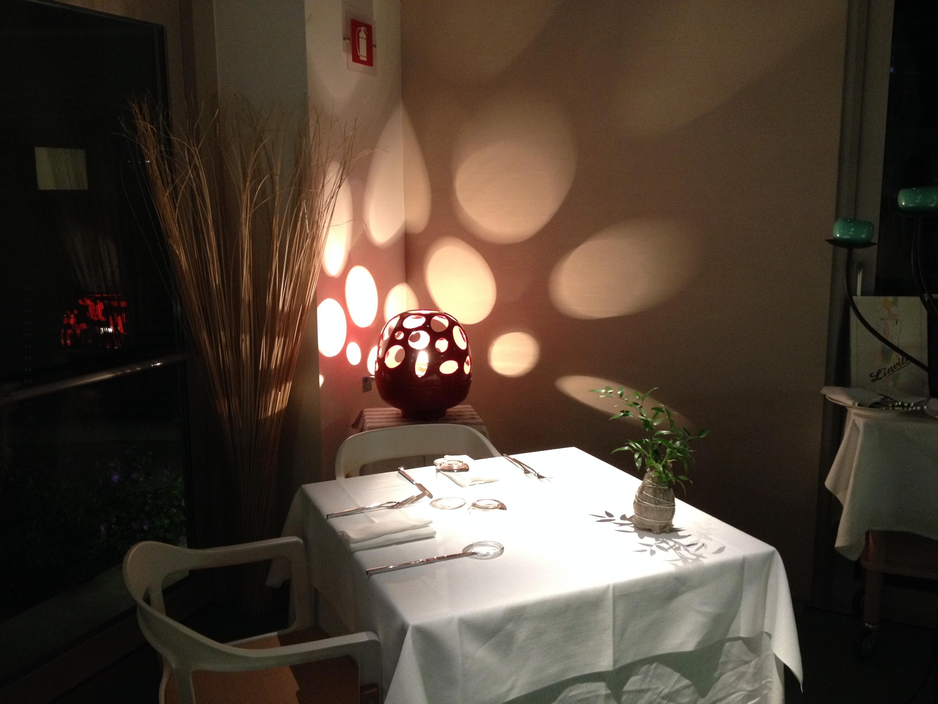 Bio stufa e lampada da tavolo DRAGONHEART bianco,rosso,nero