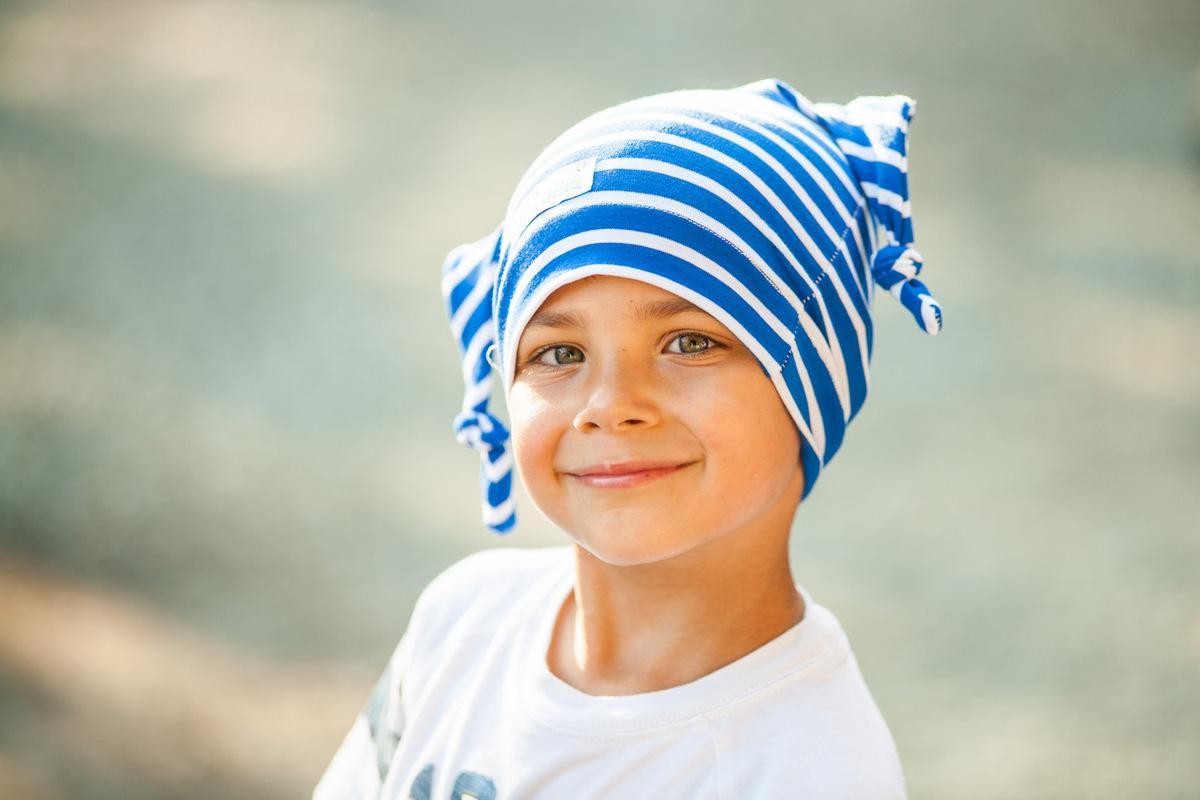 Cappello a due nodi blu/righe