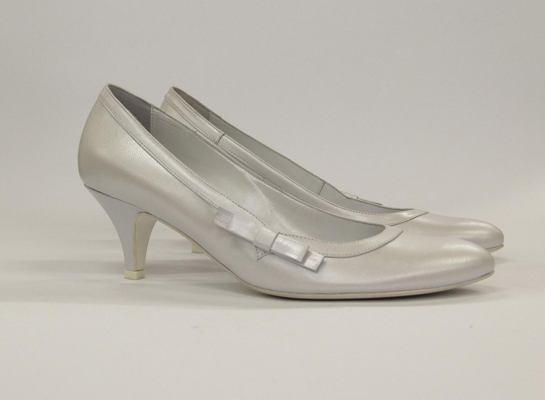 Scarpa donna elegante da sposa e cerimonia in pelle perlato bianco Ferracuti cod.6110