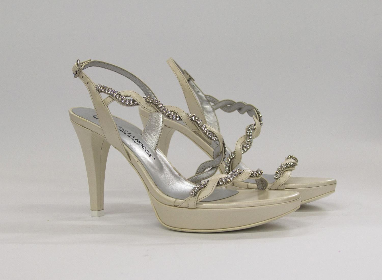 Sandalo elegante da cerimonia donna e sposa in pelle con applicazione in cristallo svarovsky e cinghietta regolabile Guido La Rocca Art. G954