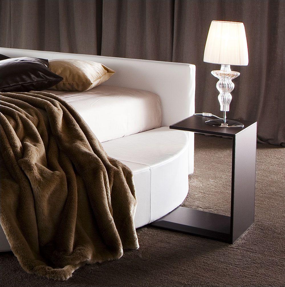 Camera da letto piccola 7 idee per un comodino salvaspazio - Crea la tua camera da letto ...