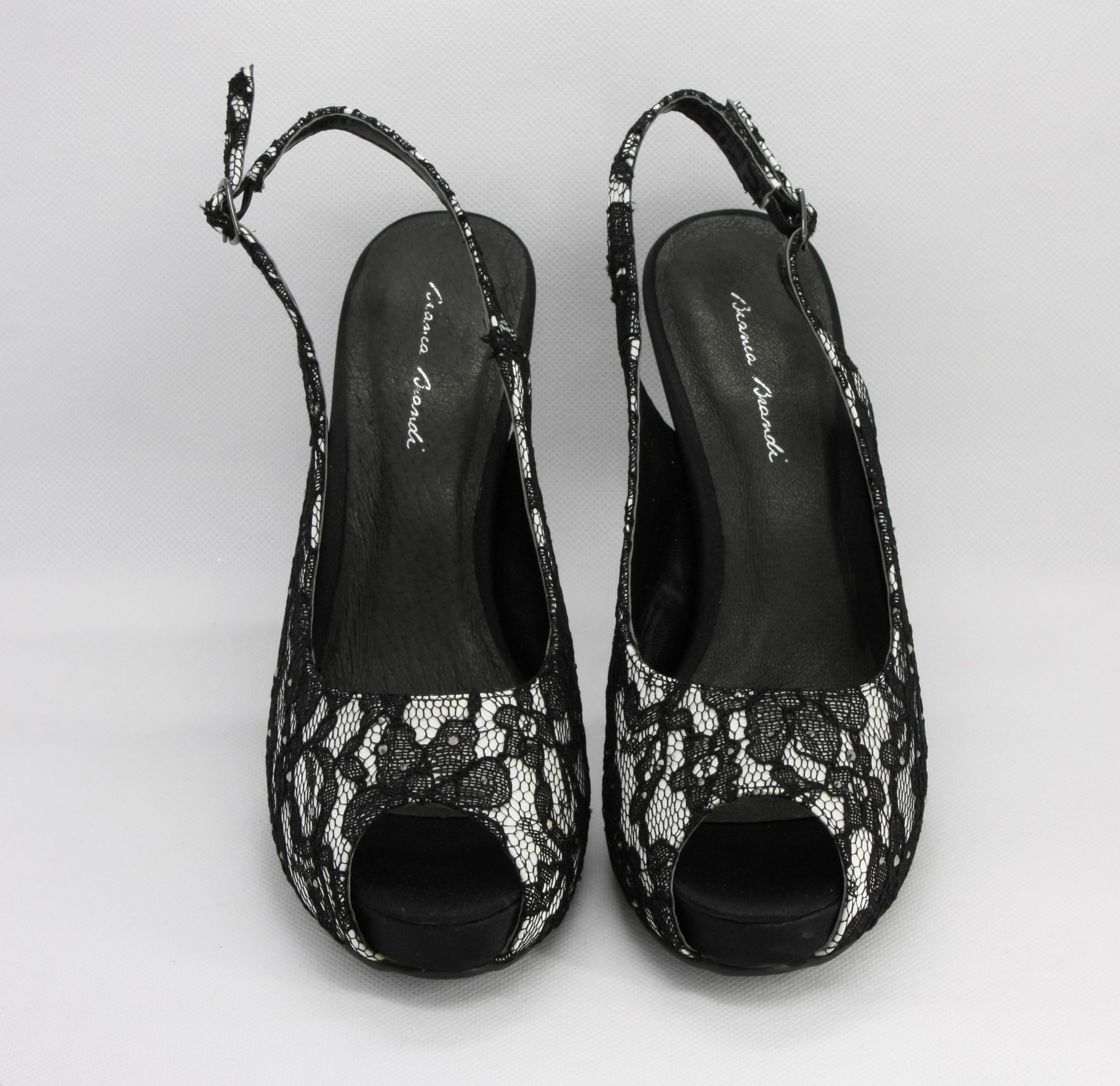Scarpa donna bicolore tessuto avorio, pizzo nero con cinghietta regolabile e borsa abbinata Art. BS257