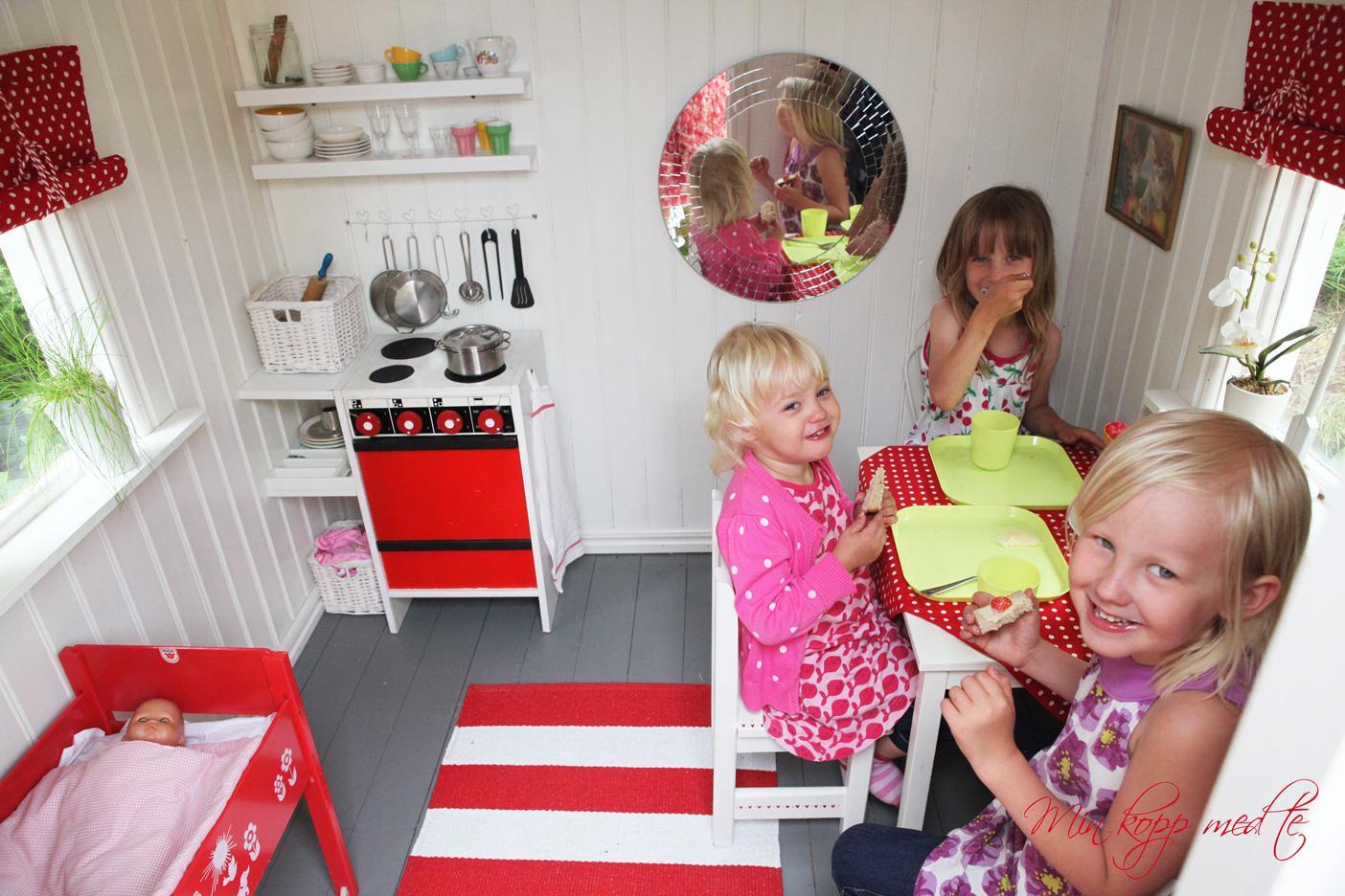 Casetta in legno per i bambini for Casette in legno abitabili arredate