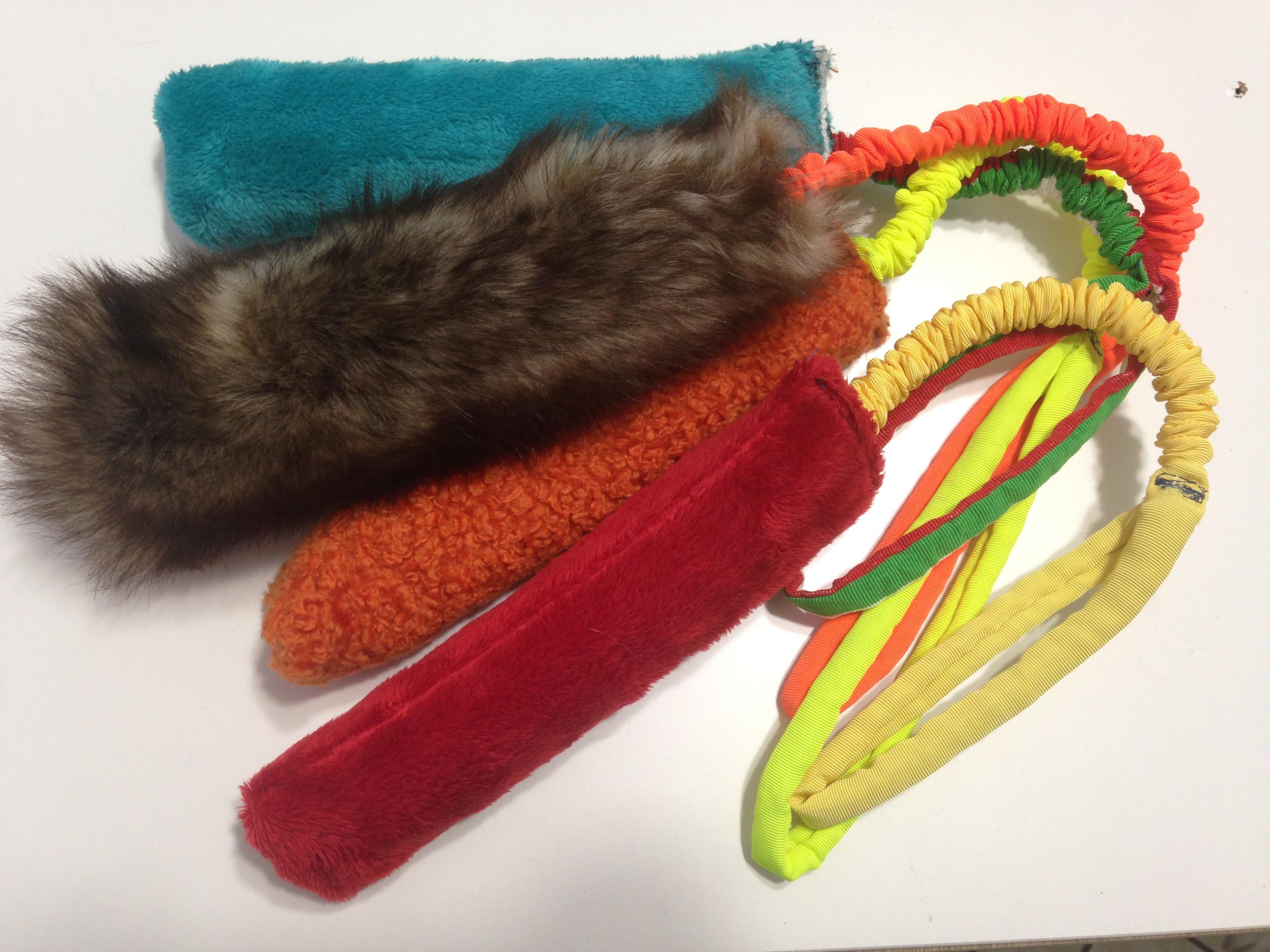 Maniglia elastica con gioco pelle o ecopelle