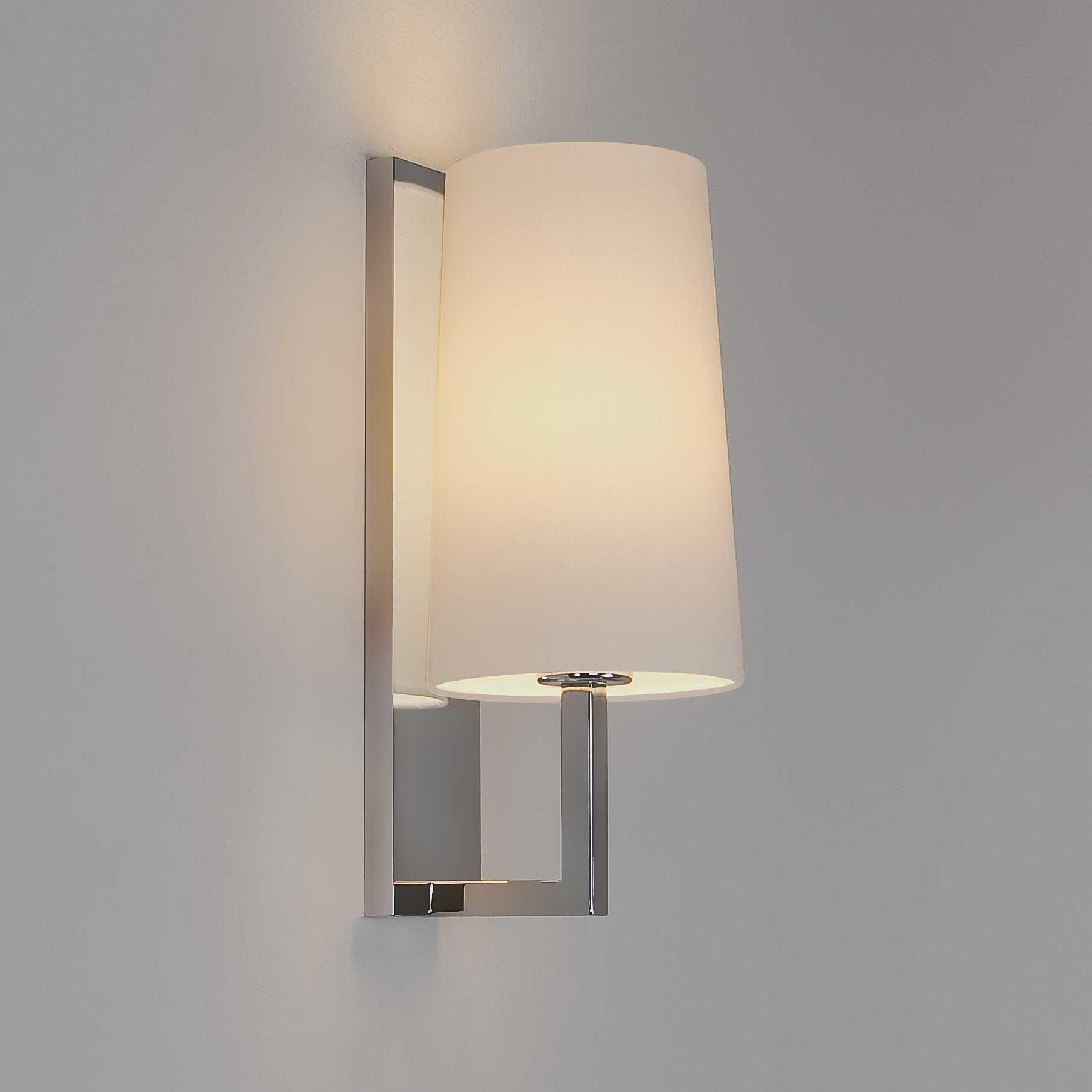 RIVA applique cromo con vetro bianco