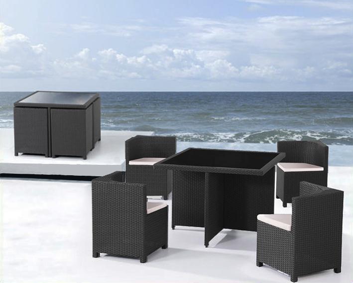 Set tavolo e sedie giardino rattan for Arredamento esterni design