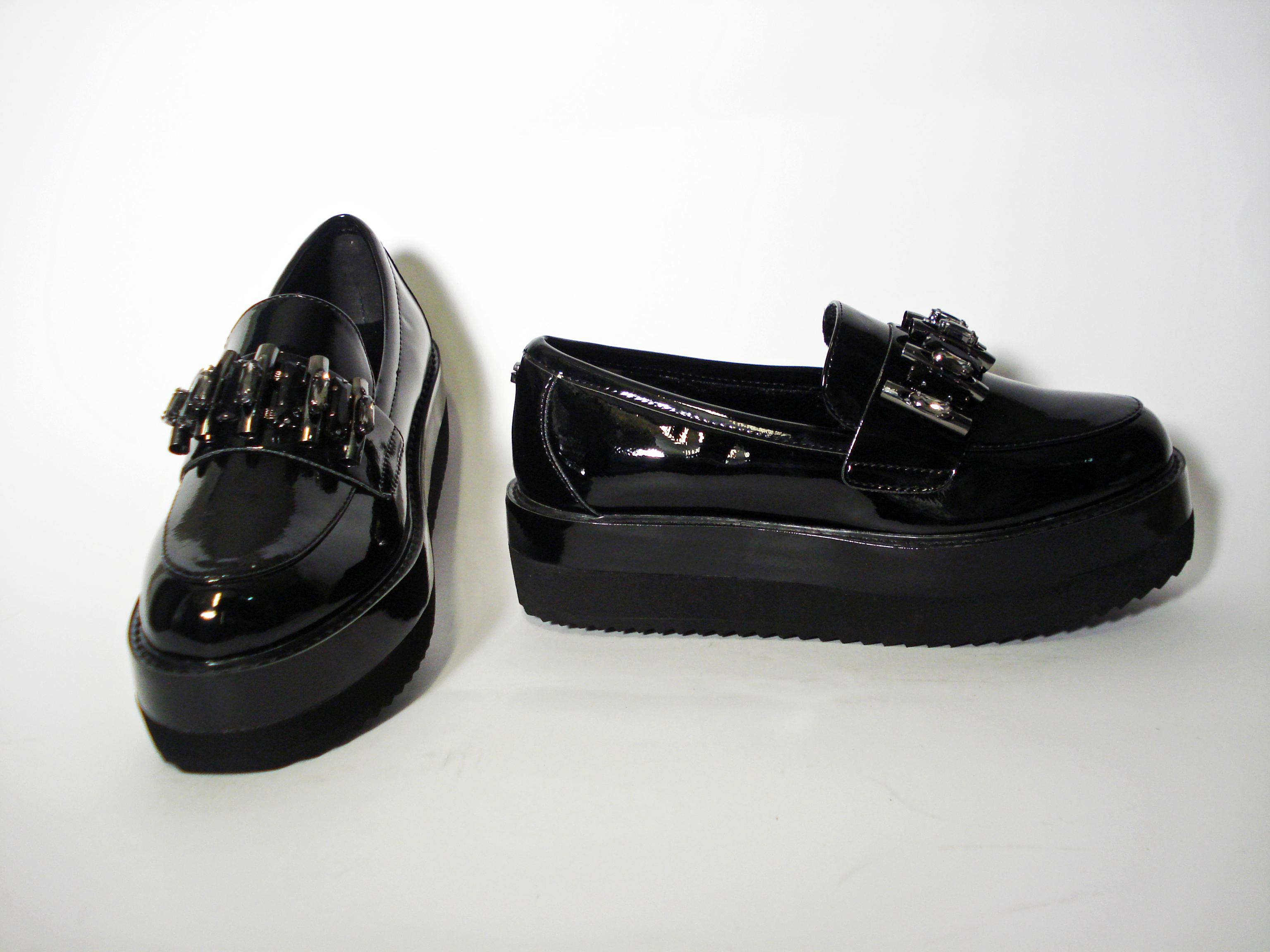 Mocassino vernice Guess