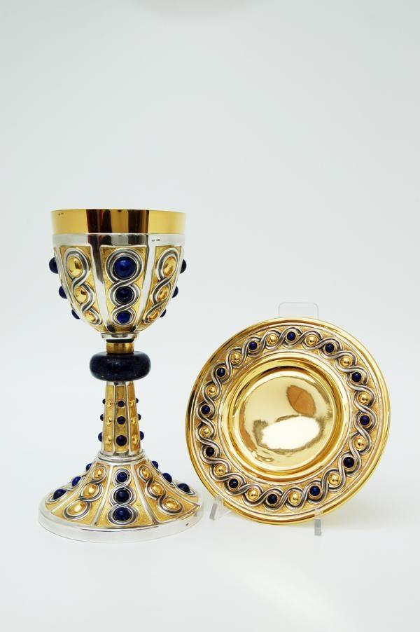 Calice e patena in argento dorato e lapislazzuli