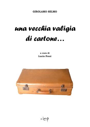 Una vecchia valigia di cartone