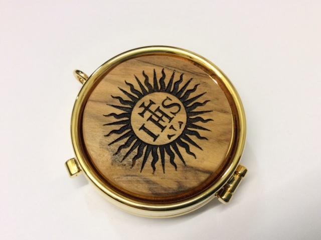 Teca eucaristica in legno d'ulivo IHS