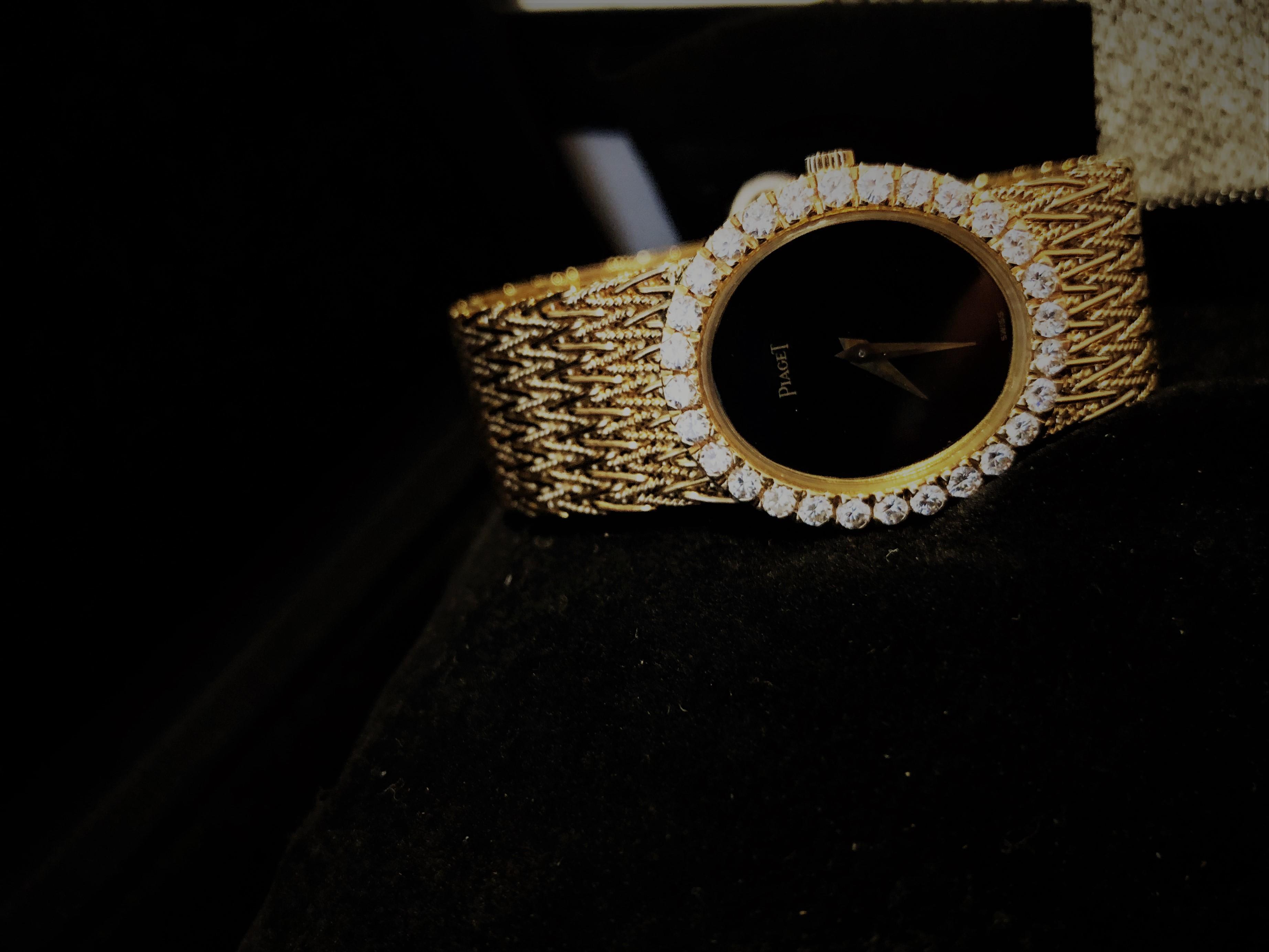 Orologio secondo polso Plaget oro giallo