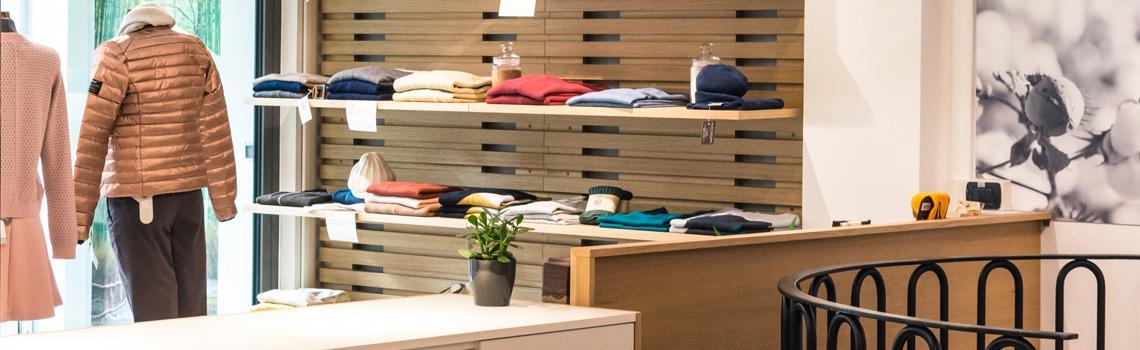 9d0654baea76 ... per tutta la famiglia. Abbigliamento bio online ed offiline Puoi  acquistare online o direttamente nel nostro negozio di Udine.