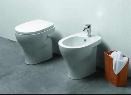 Vaso e bidet a terra per il bagno cm 52,5 x 34 Pratica Azzurra