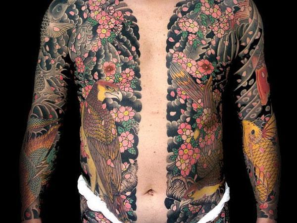 Man Yakuza Cigar Tattoo: I Tatuaggi Della Yakuza: La Mafia Giapponese