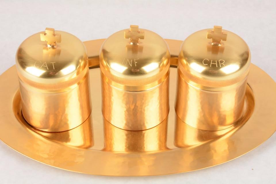 Servizio Oli Santi in metallo dorato EC1754