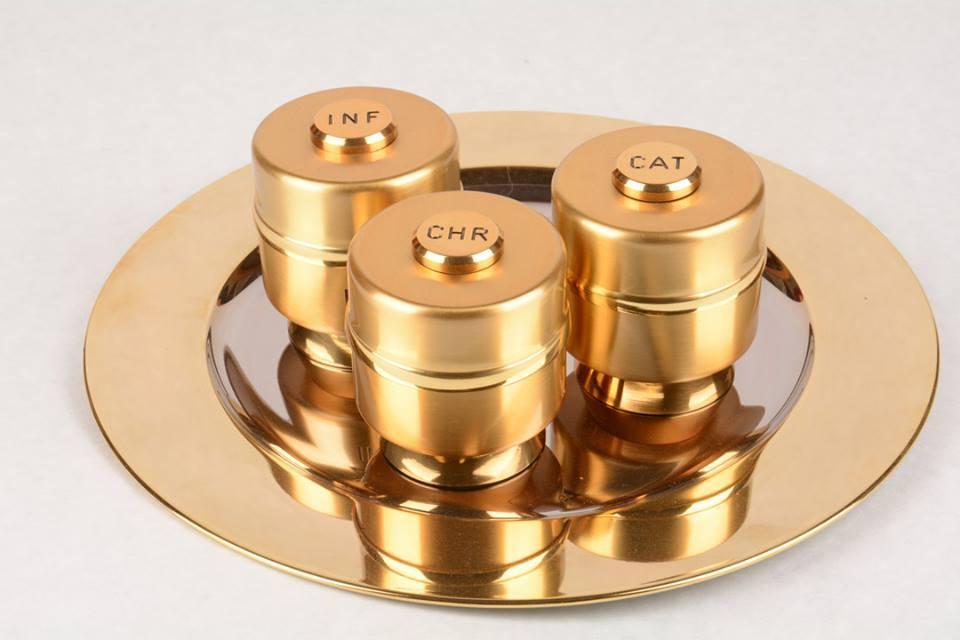 Servizio Oli Santi in metallo dorato SGL3190