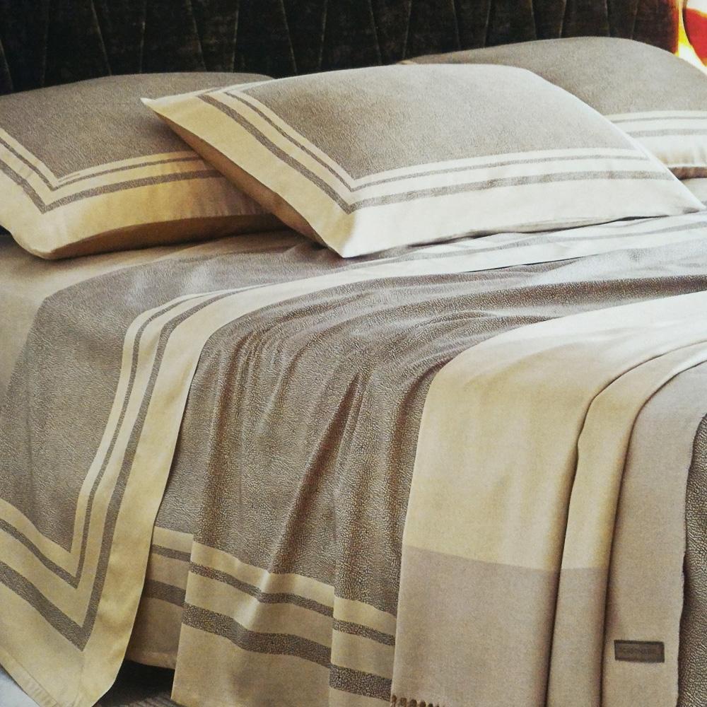 Set lenzuola borbonese letto matrimoniale 2 piazze in raso twist op marrone - Set letto matrimoniale ...
