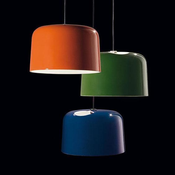 tre lampade sospese colorate