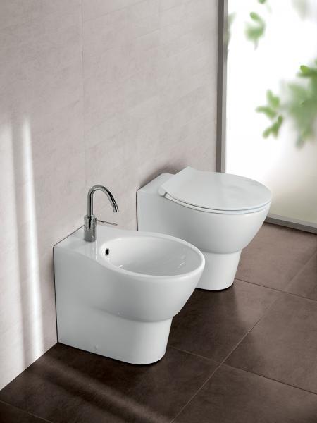 Vaso e bidet a terra filomuro per il bagno cm 55 x 36 Nido Hatria