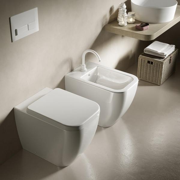 Vaso e bidet a terra filomuro per il bagno cm 52 x 34,5 Bianca Hatria