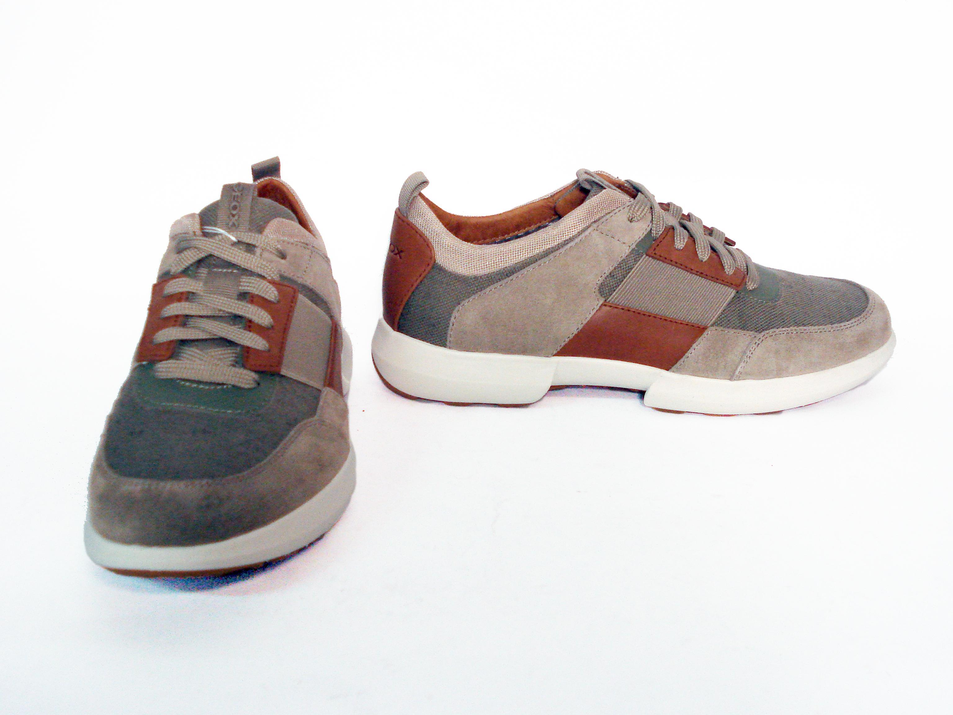 Sneaker sabbia con dettagli a contrasto Geox