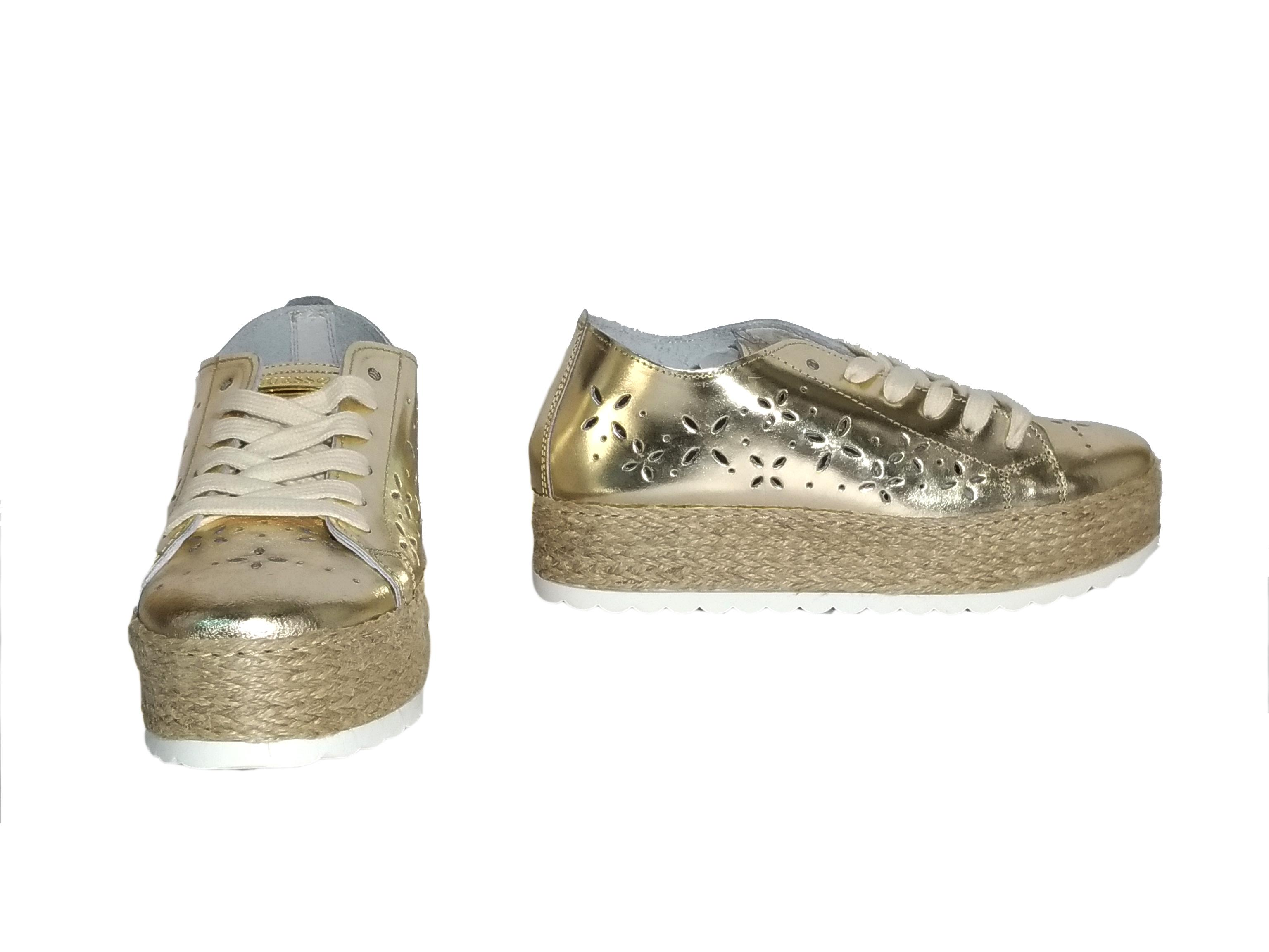 Sneaker platino con para intrecciata Guess