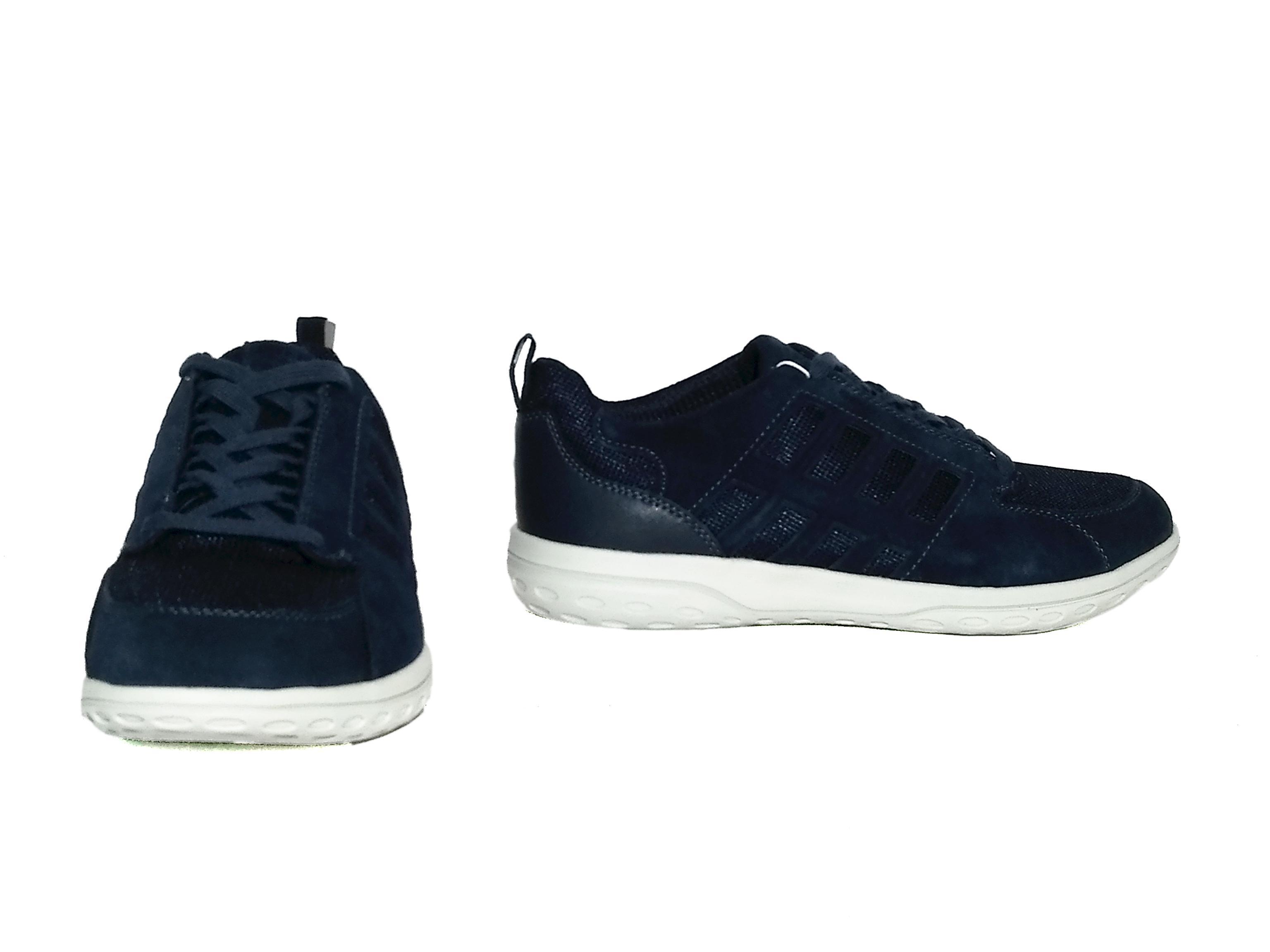 Sneaker blu o sabbia Geox