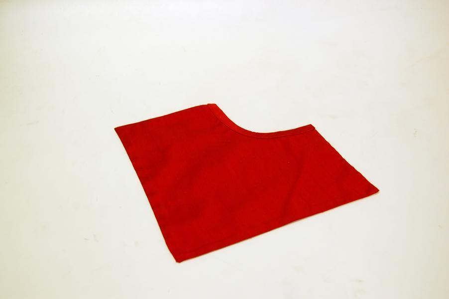 Pettorina Talare Rossa in Seta modello triangolare