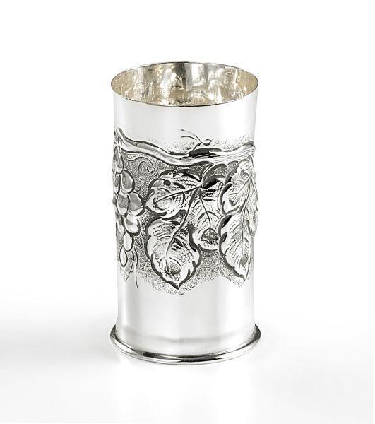 Bicchiere cesellato argentato argento sheffield stile grappe cm.13h diam.7