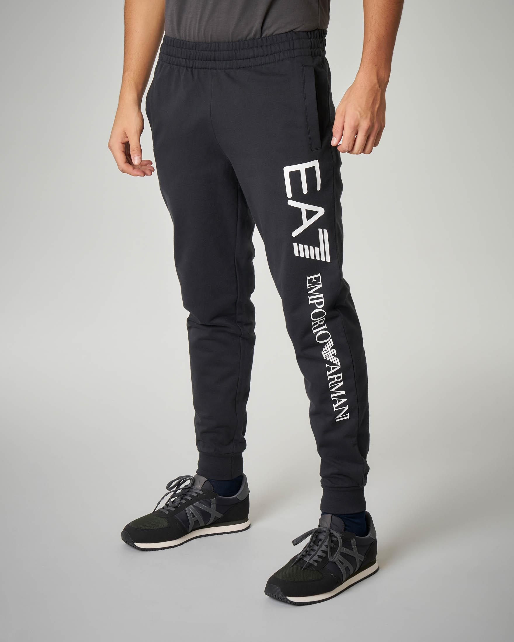 Pantalone nero in felpa leggera maxi-logo