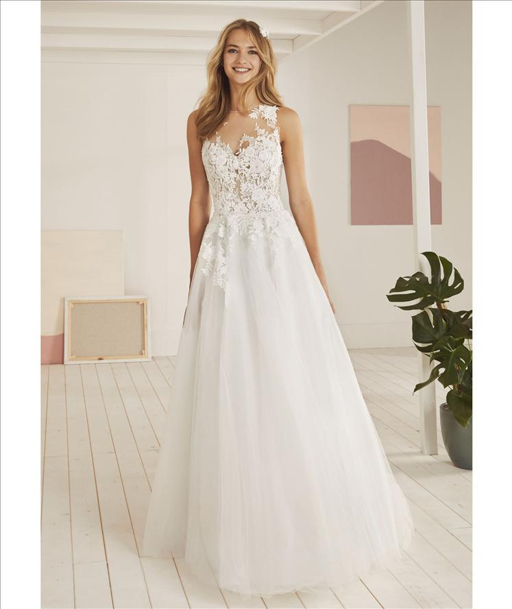 Vestiti Da Sposa White One.Abito Sposa Mod Orleans Linea White One Pronovias Favole