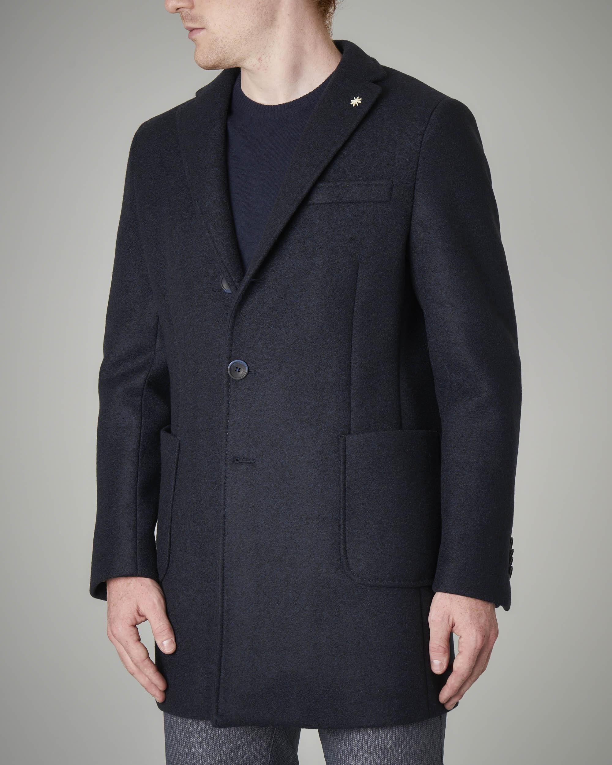 Cappotto blu a tre bottoni