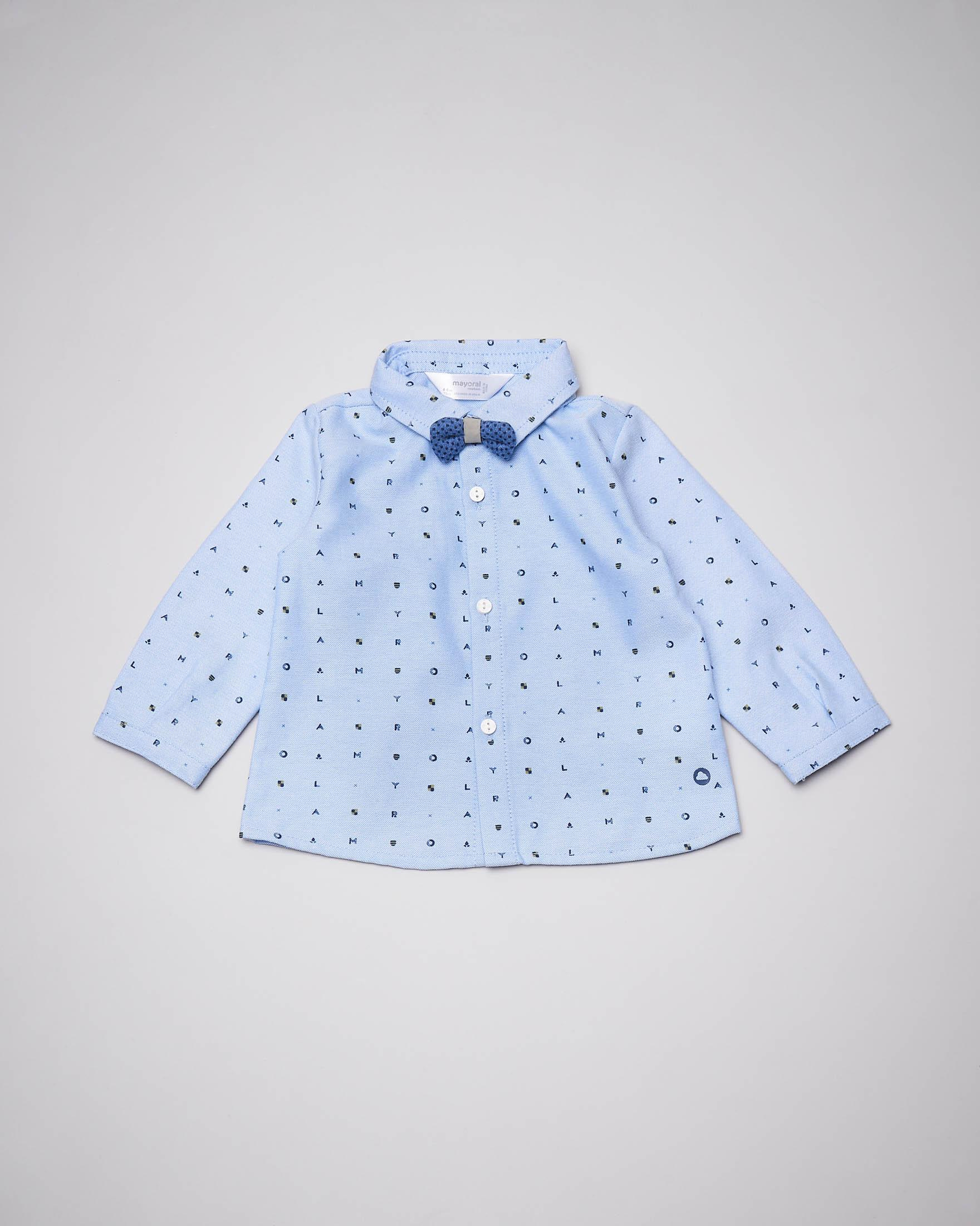 Camicia azzurra con papillon