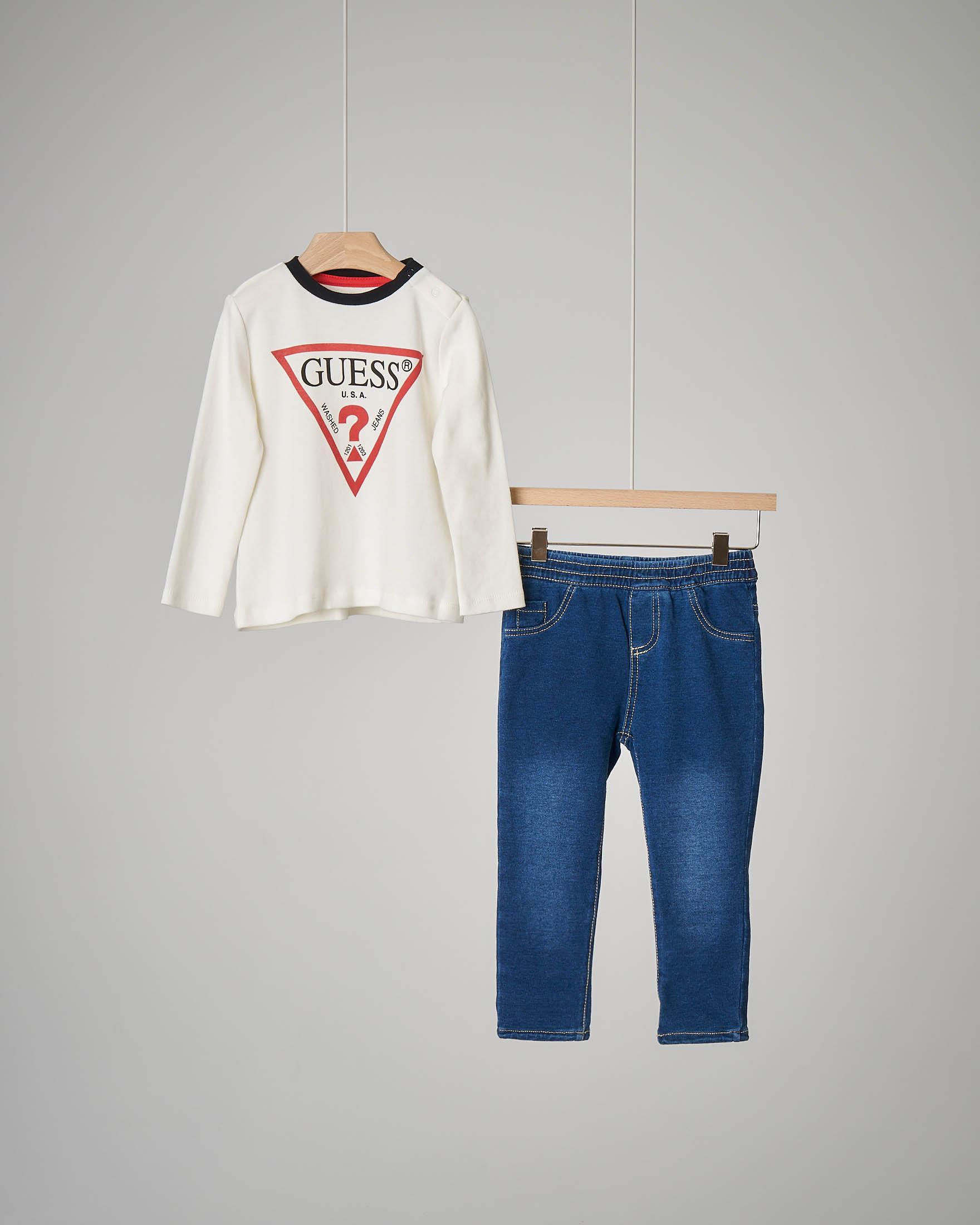 Completo bianco avorio con jeans