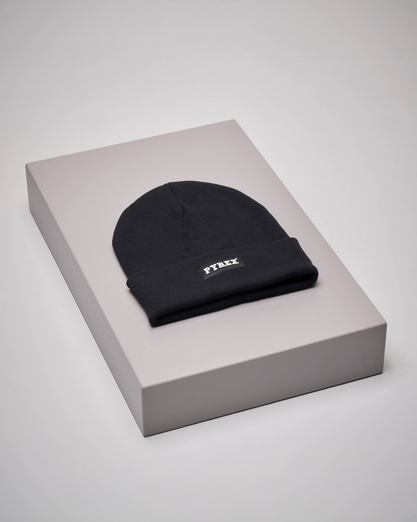 Berretto nero logo piccolo