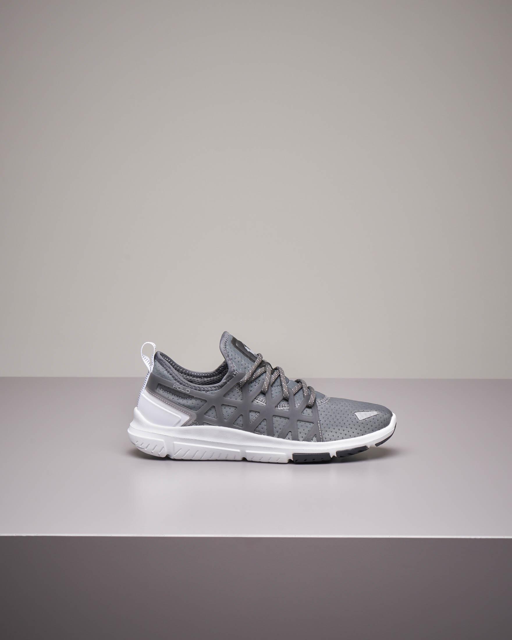 Sneakers running grigie