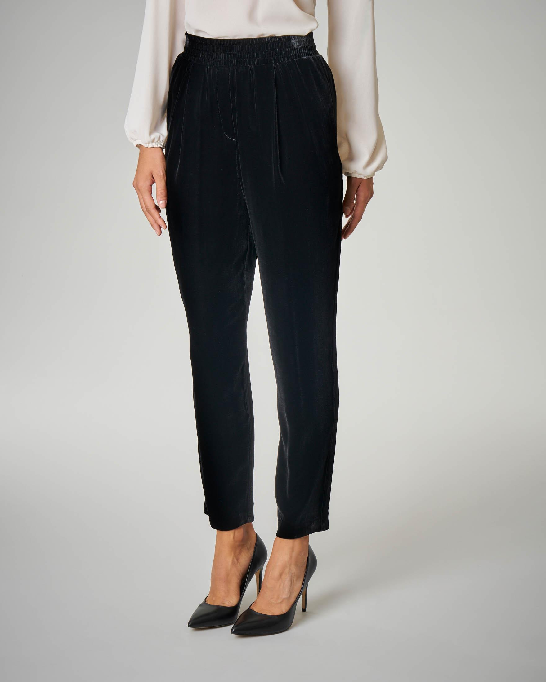 Pantalone nero in velluto liscio