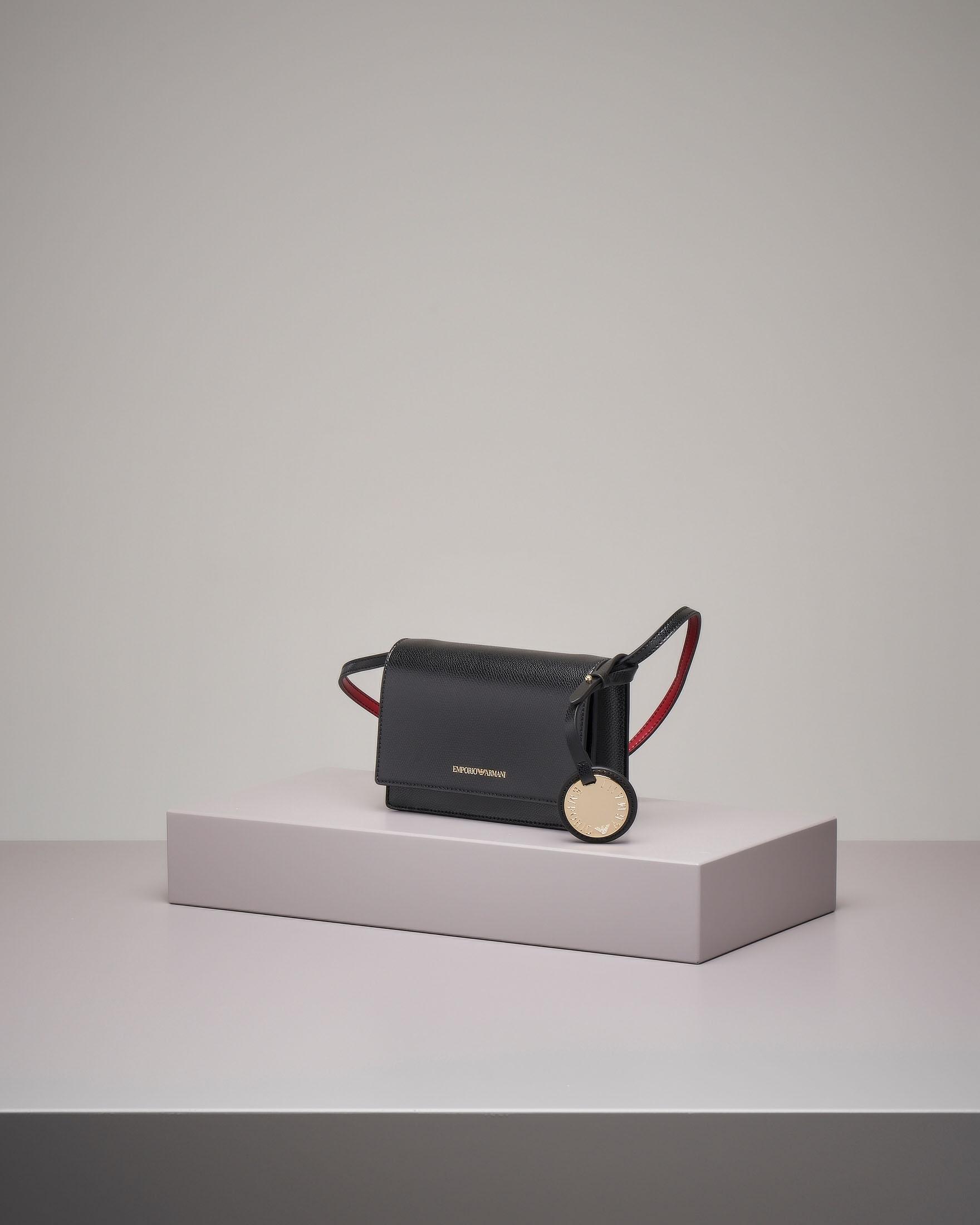 Cross bag nera con patta