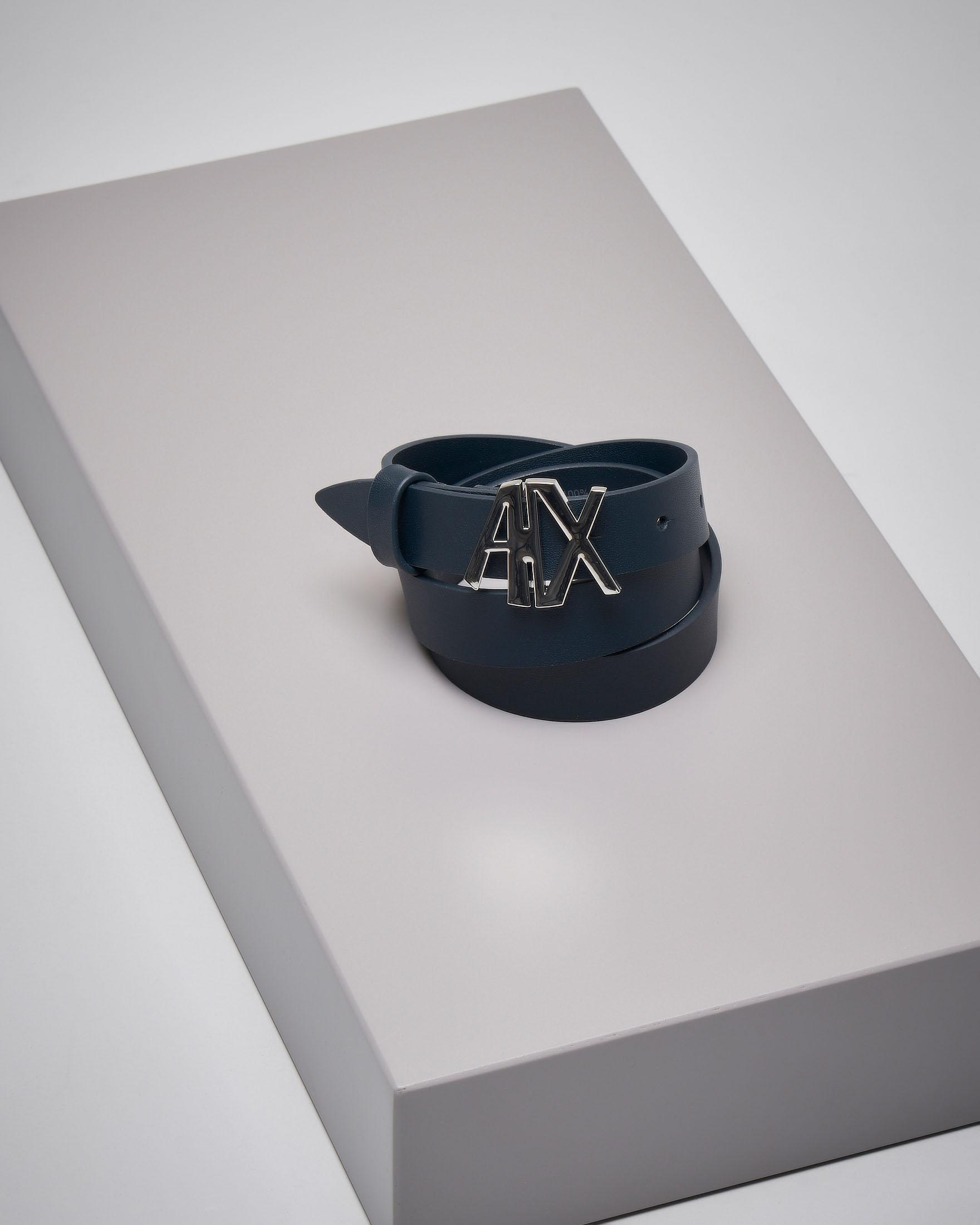Cintura in pelle blu con fibbia