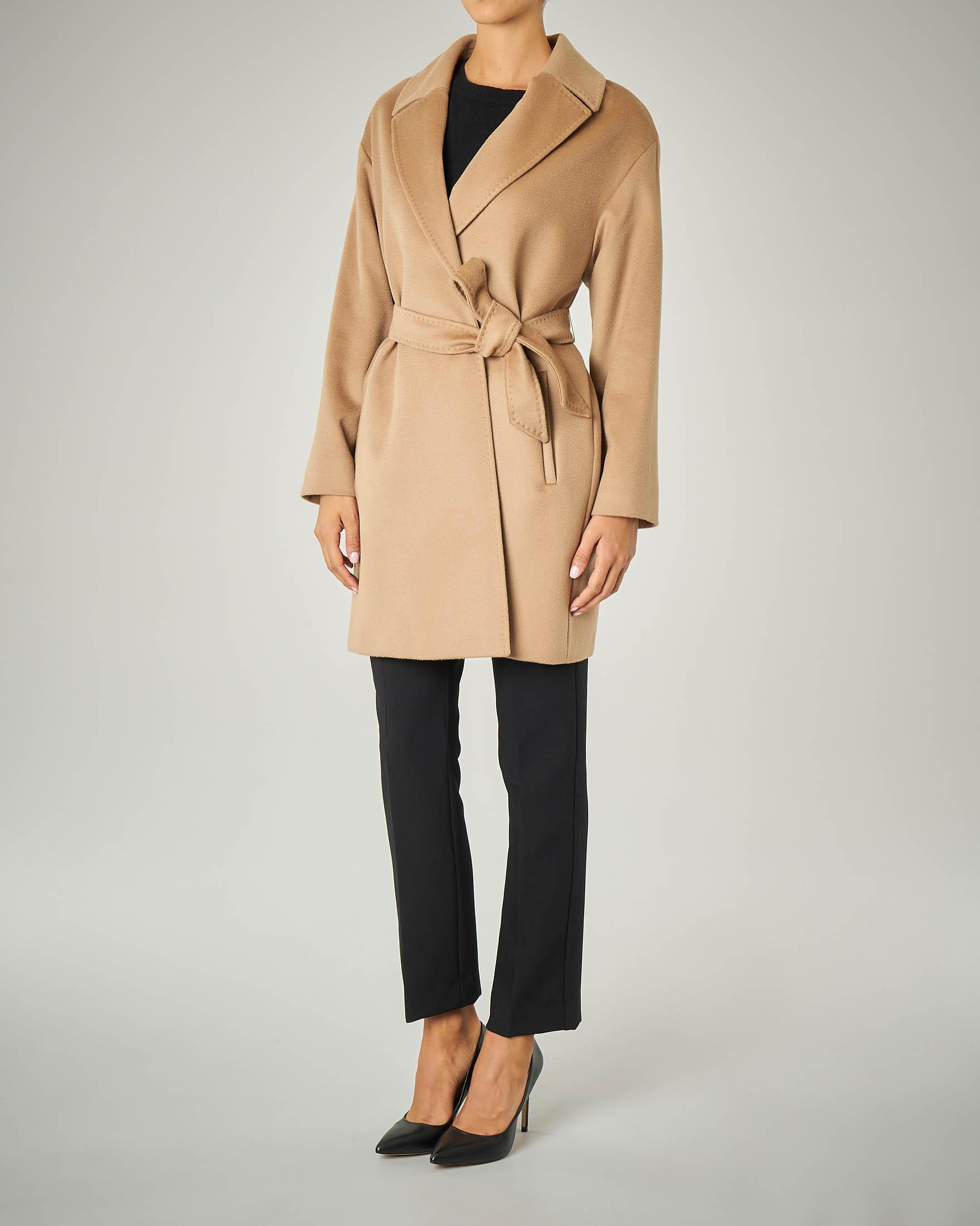 Cappotto cammello a vestaglia in pura lana