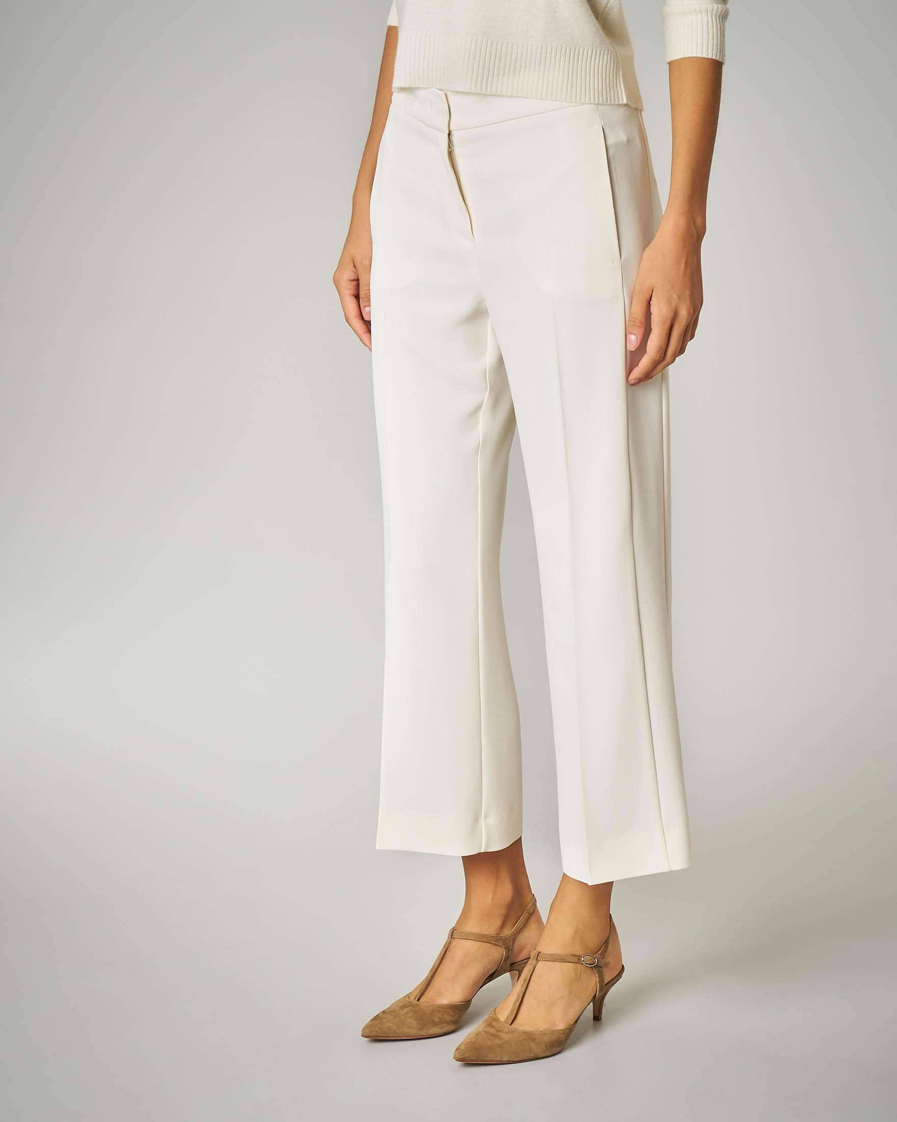 Pantalone bianco cropped.