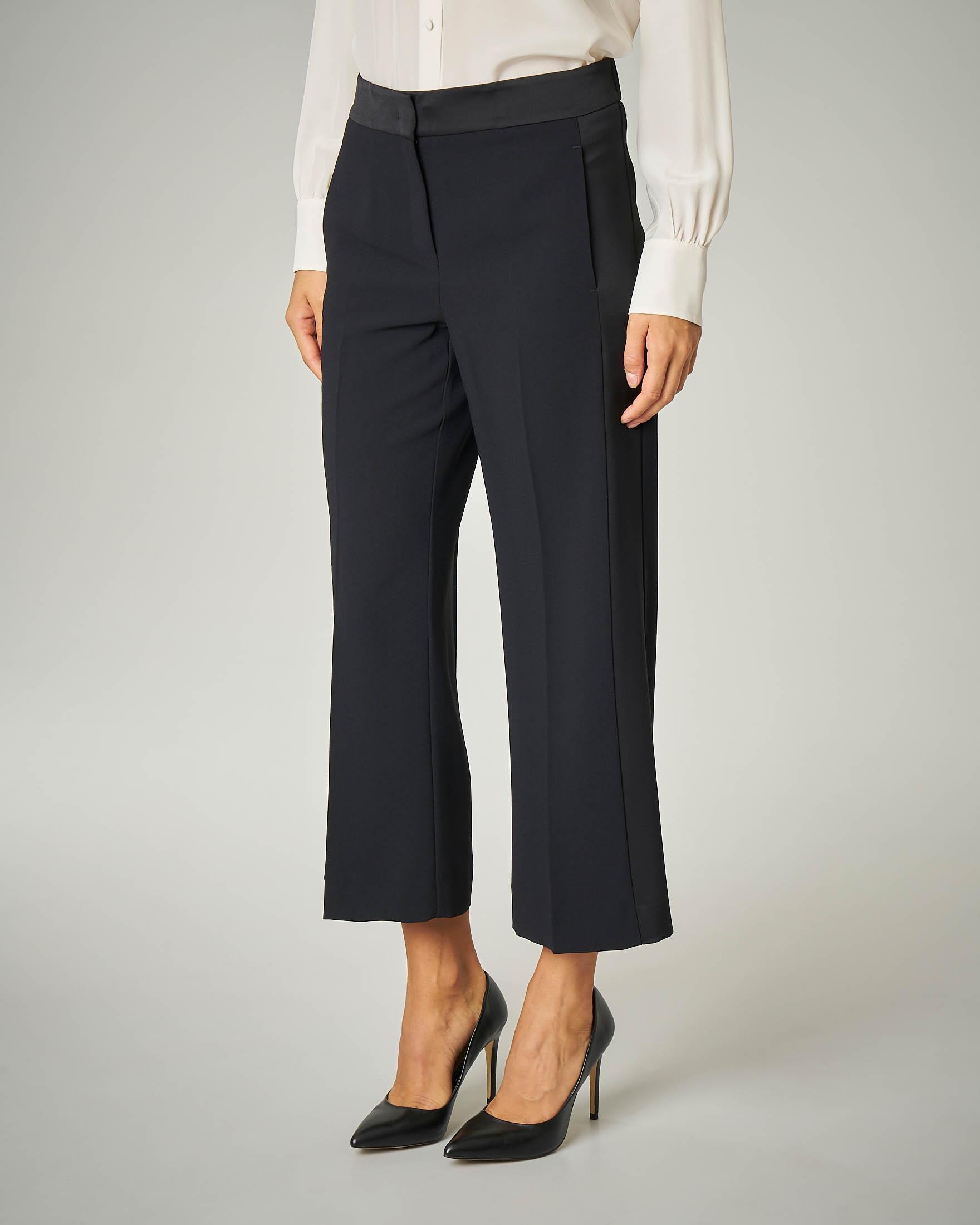 Pantalone nero cropped.