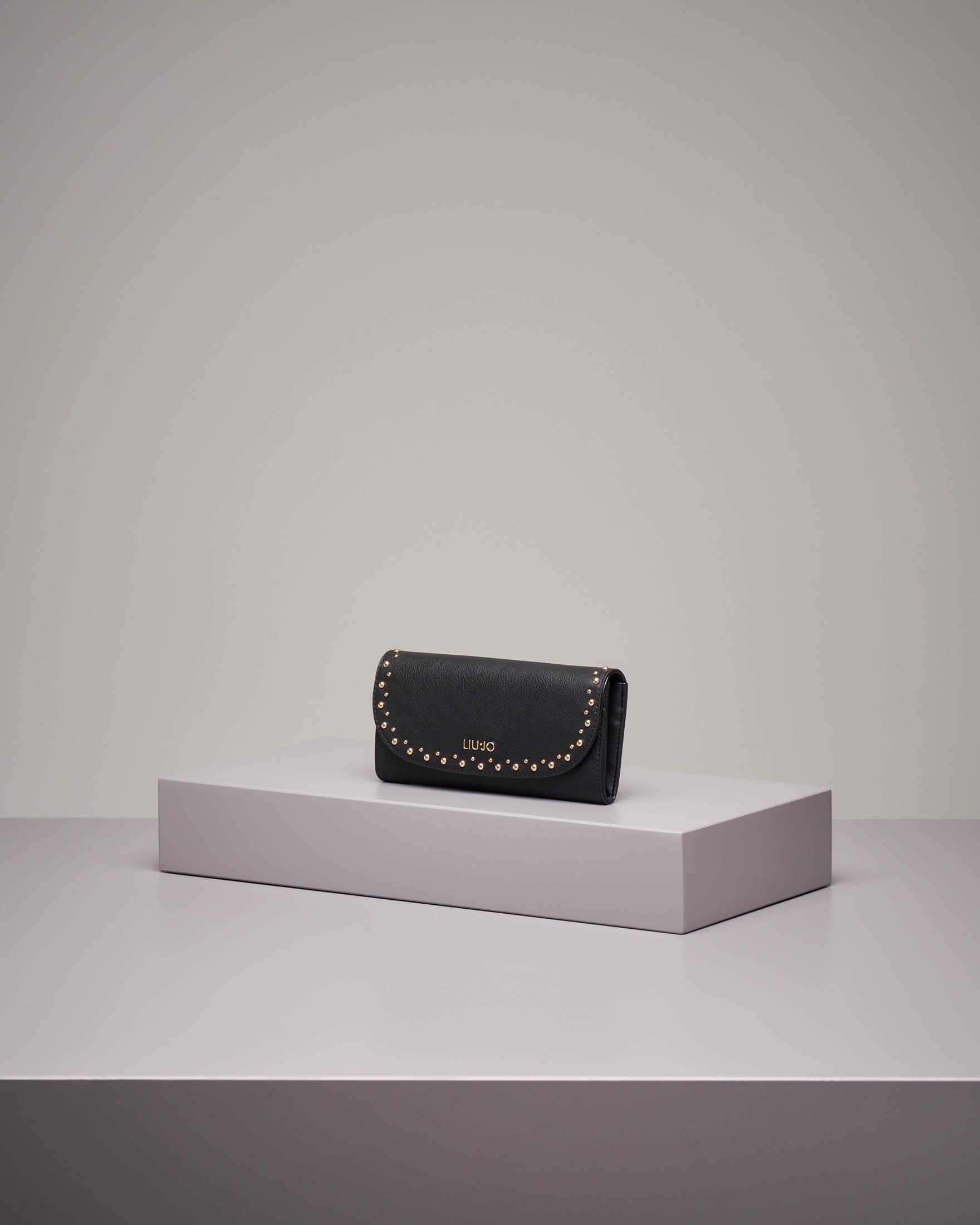 Portafoglio nero con borchie