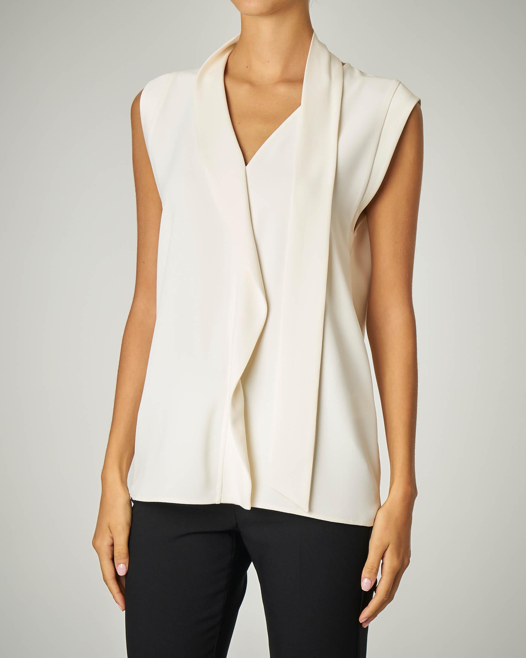 Camicia bianca senza maniche