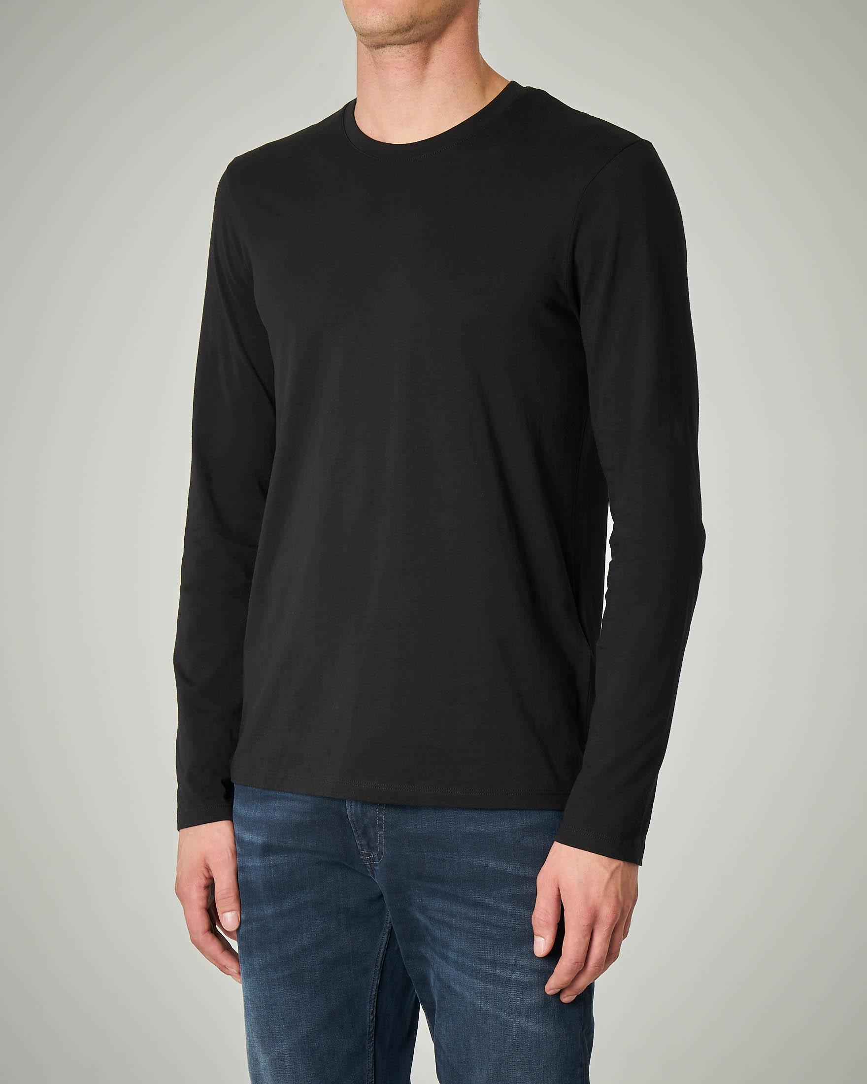 T-shirt nera manica lunga basica
