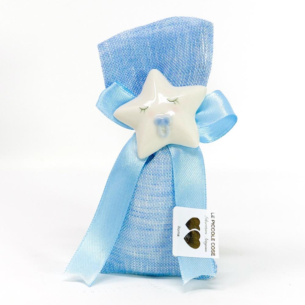 Sacchetto in lino celeste con fiocco in tono e stellina decorativa con calamita