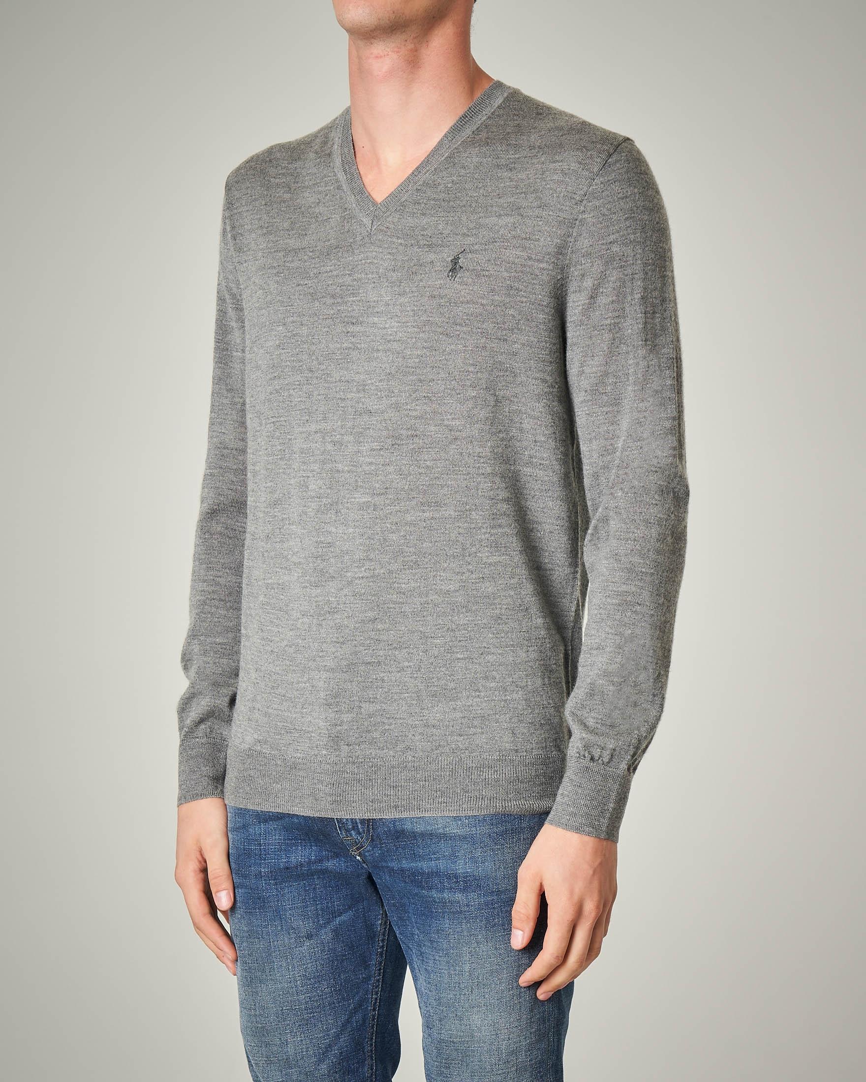 Maglia grigio melange scollo a V in lana merino