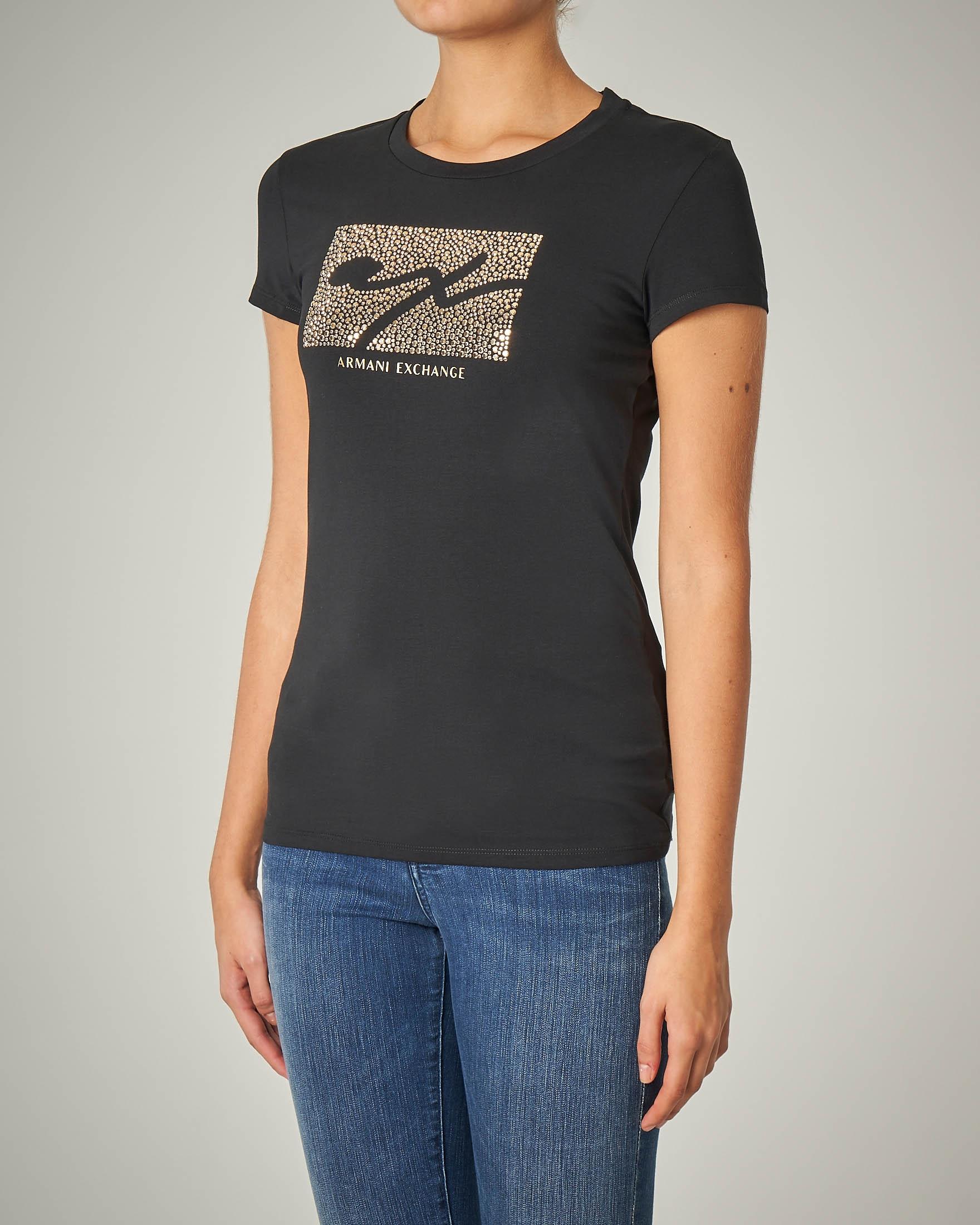 T-shirt nera manica corta con logo con borchie
