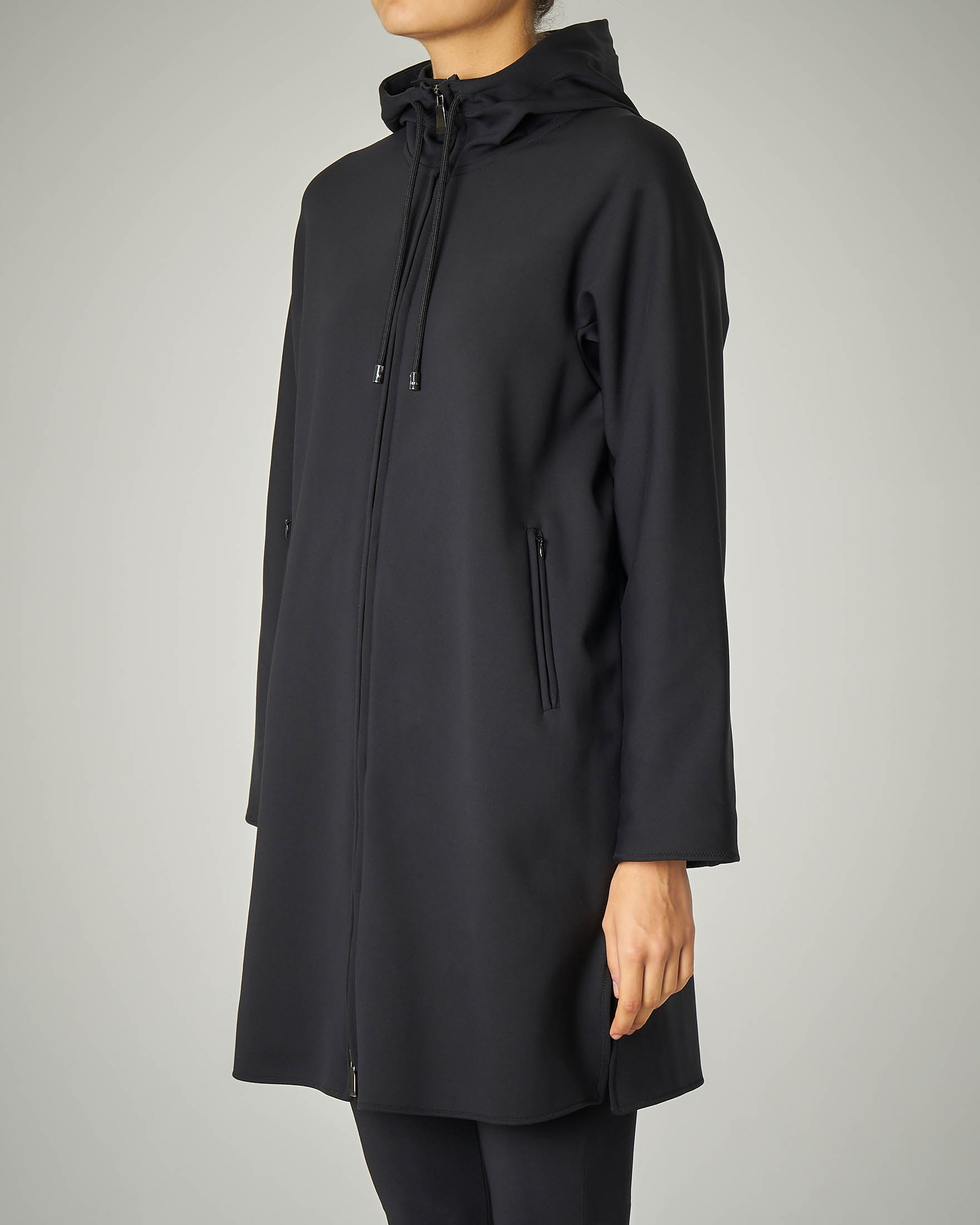 Cappottino in neoprene nero con cappuccio